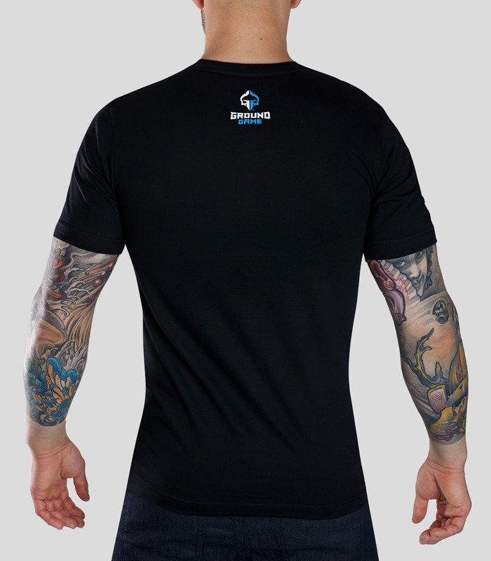 """T-shirt """"Kicking Ass"""""""